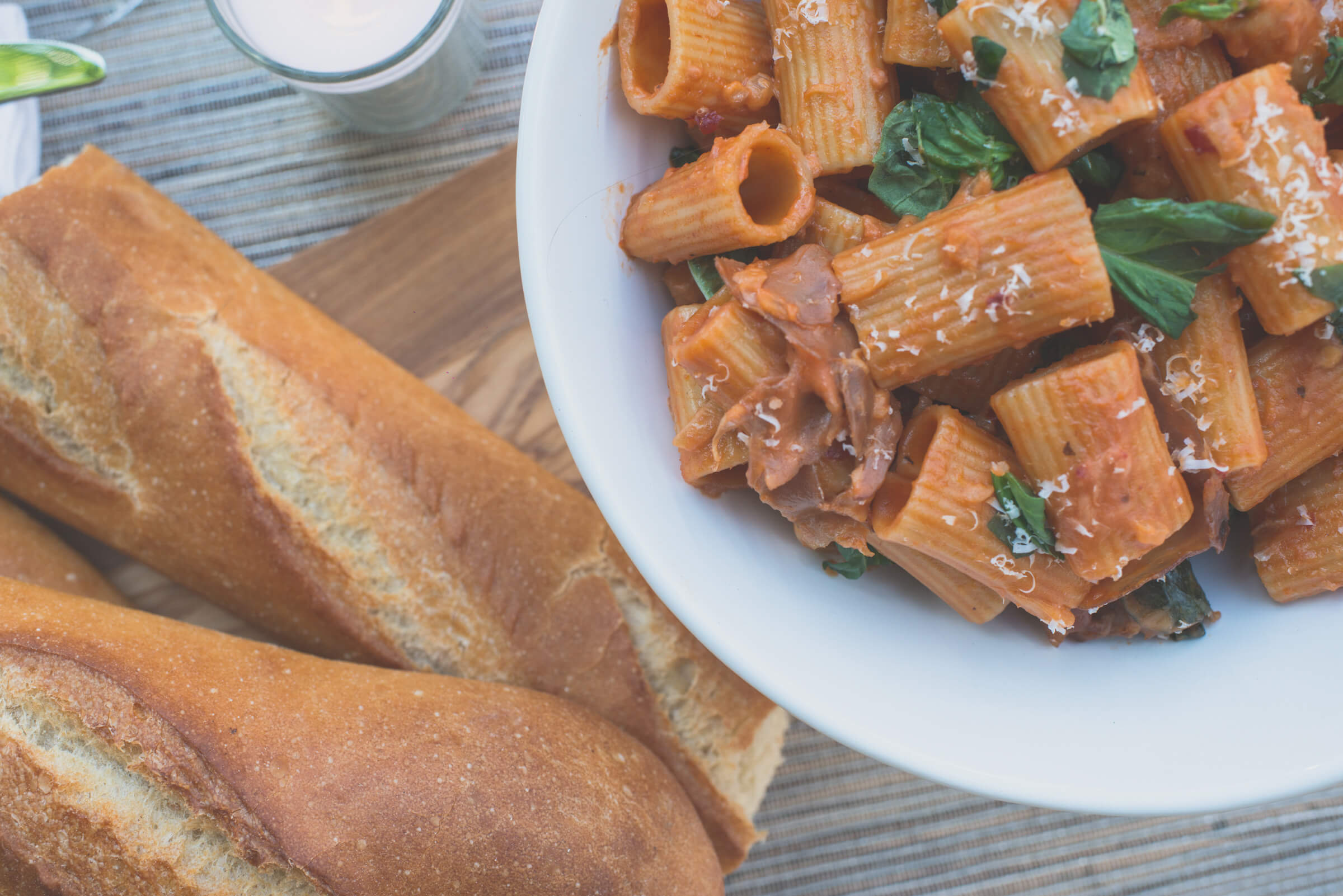 rigatoni with bread